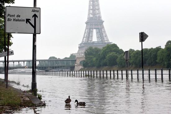Paris lũ lụt lớn nhất trong hơn thế kỷ ảnh 1