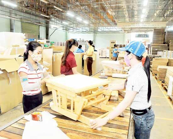 Chế biến gỗ xuất khẩu - Dè chừng rủi ro ảnh 1