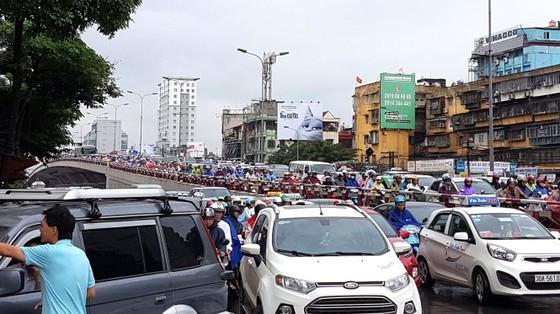 Hà Nội lên phương án cấm xe máy ngoại tỉnh ảnh 1