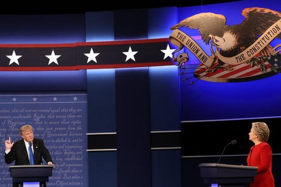 Clinton và Trump bắt đầu tranh luận trực tiếp đầu tiên ảnh 1