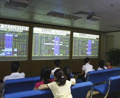 Nhận định thị trường chứng khoán ngày 15-8 ảnh 1