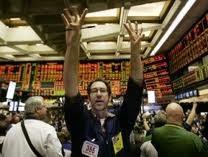 19-4: S&P hạ dự báo tín dụng, TTCK Hoa Kỳ lao dốc ảnh 1