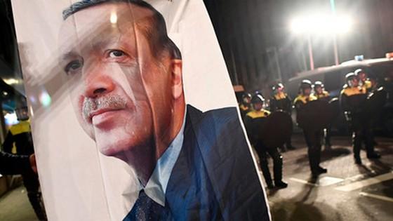 """Thổ Nhĩ Kỳ """"giận"""" cả EU ảnh 1"""
