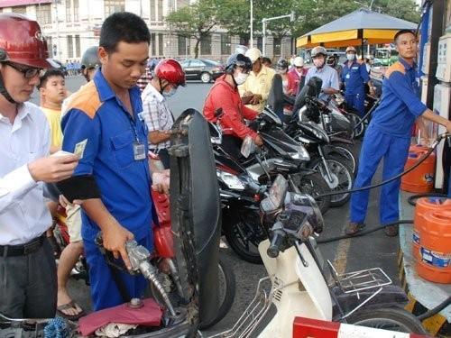 Xăng dầu: Giá tăng nhanh, bất ổn xử lý chậm ảnh 1