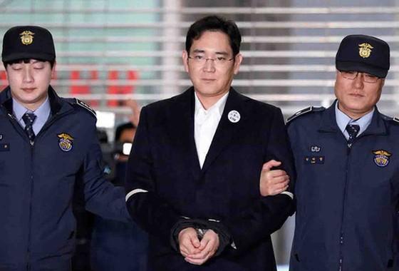 """""""Thái tử"""" Samsung có thể ngồi tù 20 năm ảnh 1"""