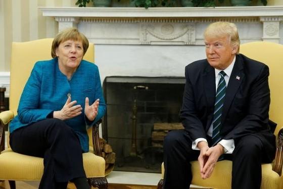 Trump 'đòi nợ' Merkel gần 400 tỷ USD ảnh 1