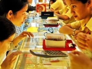 Giá vàng tăng gần 2,5 triệu trong tháng 8 ảnh 1