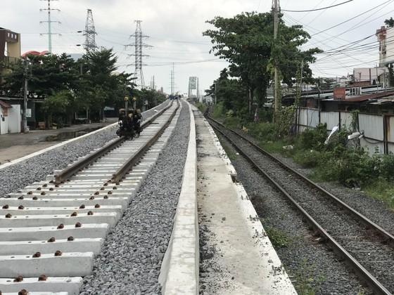 Thông tuyến đường sắt qua cầu Bình Lợi mới ảnh 2