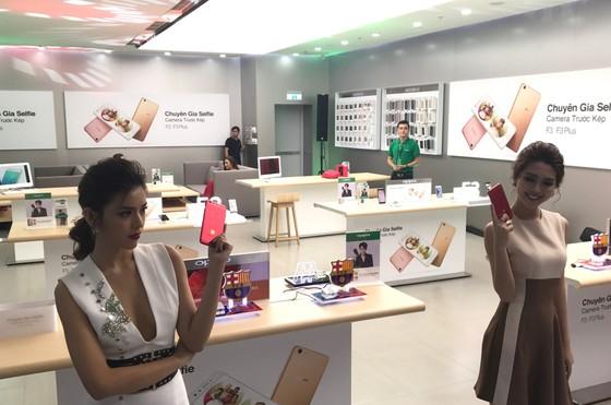 OPPO Việt Nam khai trương Brand Shop cao cấp ảnh 4