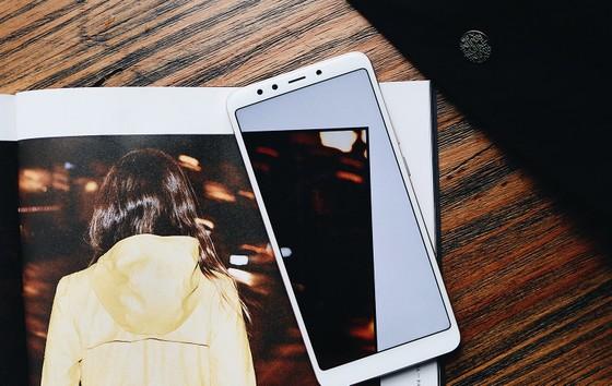 Mua Xiaomi Redmi 5 Plus gần 4 triệu đồng tặng sạc dự phòng 10.000 mAh ảnh 2