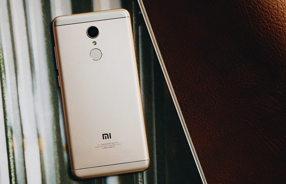 Mua Xiaomi Redmi 5 Plus gần 4 triệu đồng tặng sạc dự phòng 10.000 mAh ảnh 1