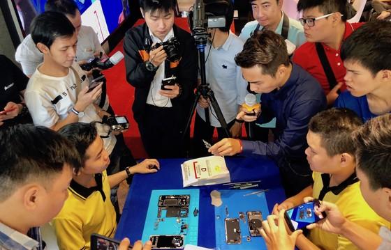 """Nhận quà """"khủng"""" khi đặt mua Galaxy S9 và Galaxy S9 Plus tại Di Động Việt ảnh 2"""