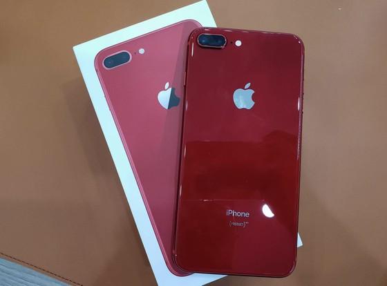 iPhone 8 Plus màu đỏ đang ở Minh Tuấn Mobile ảnh 2