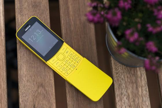 """Tậu ngay Nokia """"chuối"""" 8110 4G màu vàng   ảnh 1"""