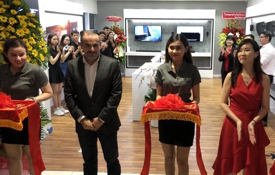 Mai Nguyên mở cửa hàng lớn ở Saigon Centre, thêm Bose sát bên cạnh ảnh 2