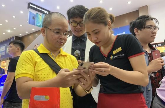 iPhone XS, XS Max, XR chính hãng chính thức lên kệ FPT Shop  ảnh 1