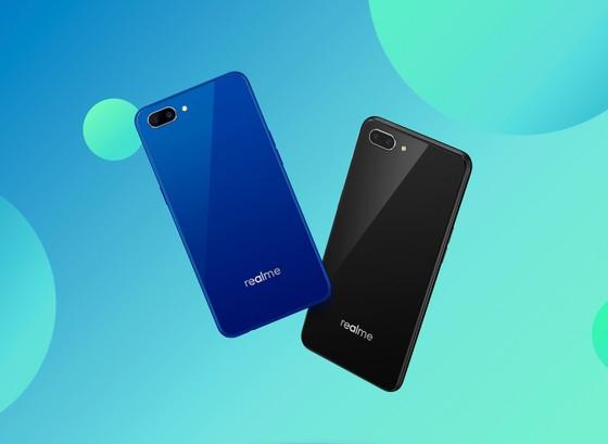 Chính thức bán Realme C1 phiên bản màu xanh ảnh 1