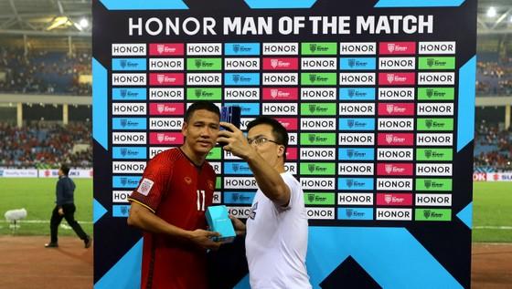 """HONOR 8X, chiếc điện thoại """"nóng"""" mùa giải AFF Suzuki Cup  ảnh 3"""
