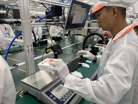 Nhà máy sản xuất di động Vsmart của Vingroup hiện đại đến đâu? ảnh 12