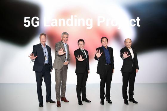 """""""OPPO Innovation Event"""" giới thiệu 5G và camera zoom lossless 10x  ảnh 2"""