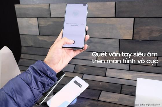 FPT Shop tặng bộ quà 6 triệu đồng cho khách đặt trước Galaxy S10   S10+  ảnh 1
