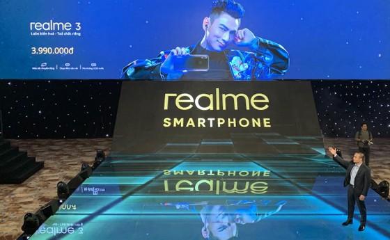 Realme 3 chính thức ra mắt thị trường Việt Nam với giá bất ngờ ảnh 3