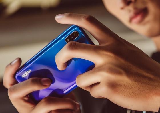 Realme 3 Pro chính thức lên kệ  ảnh 3