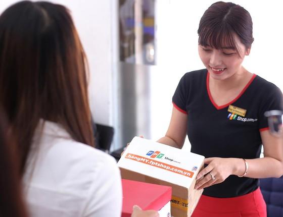 FPT Shop thu về 10 tỷ đồng chỉ sau 48 giờ từ trang hangmy.fptshop.com.vn ảnh 1