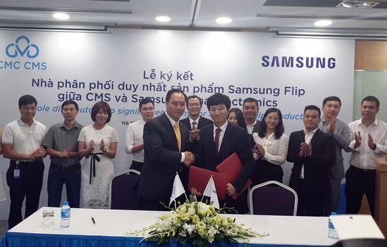 CMS trở thành nhà phân phối sản phẩm Samsung Flip tại Việt Nam ảnh 1