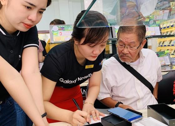 FPT Shop mở bán Galaxy Note10/ Note10+ với hơn 9.700 đơn đặt mua trước ảnh 2