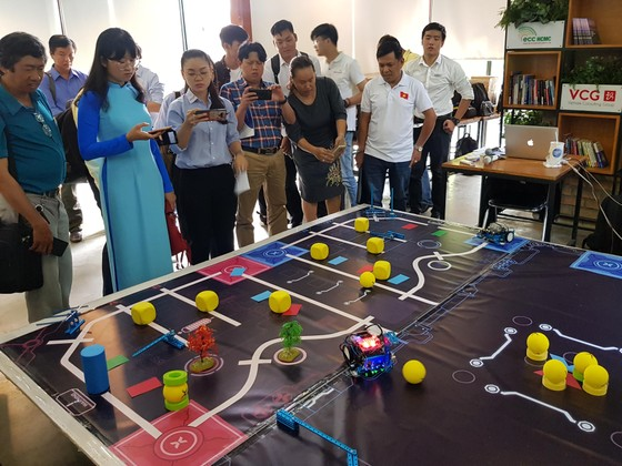 Cuộc thi robot toàn cầu dành cho các  nhà sáng tạo trẻ ảnh 1