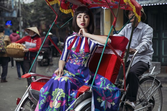Ấn tượng với nghê Việt trên áo dài truyền thống ảnh 4