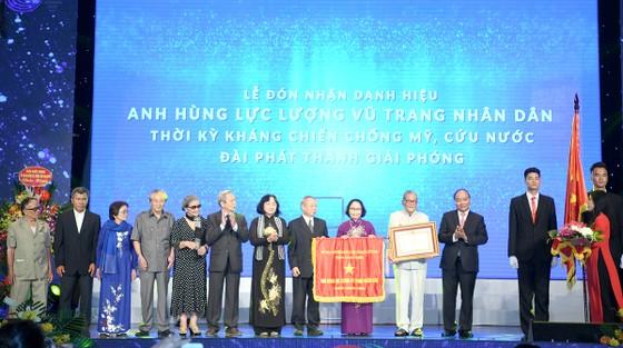 Đài Phát thanh Giải phóng đón nhận danh hiệu Anh hùng Lực lượng vũ trang nhân dân ảnh 1