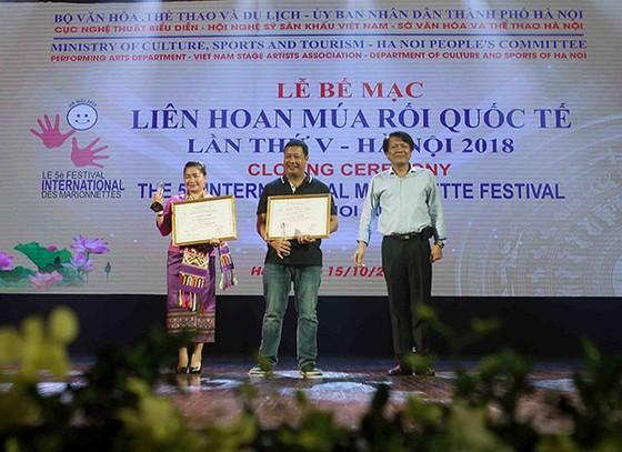 """Liên hoan múa rối quốc tế lần thứ V- Hà Nội 2018:Vở rối """"Trê- Cóc"""" được trao Huy chương vàng ảnh 1"""