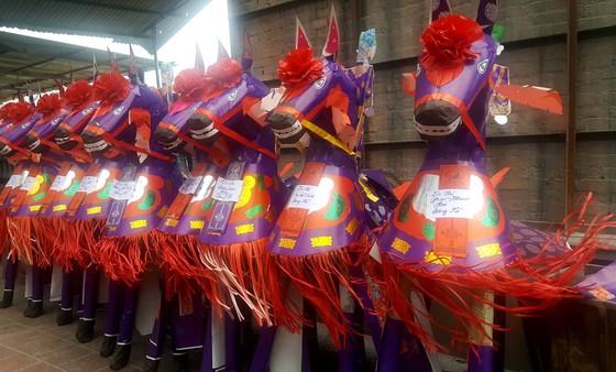 """""""Choáng"""" với đàn ngựa giấy khổng lồ ở đền Bảo Hà ảnh 4"""