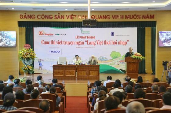 """Nhiều nhà văn Việt rung cảm lớn với """"bèo tấm, hoa dâu"""" ảnh 1"""
