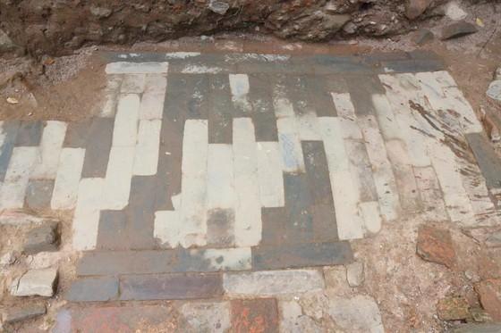 Phát lộ nhiều dấu tích mới tại Hoàng Thành Thăng Long ảnh 2
