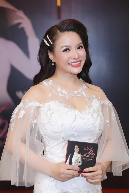 """Sao mai Đinh Trang làm khó mình với """"Hát đợi anh về"""" ảnh 1"""