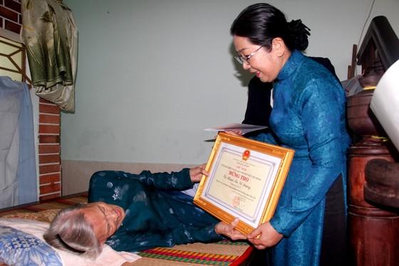 Lãnh đạo TPHCM thăm, chúc thọ người cao tuổi   ảnh 4