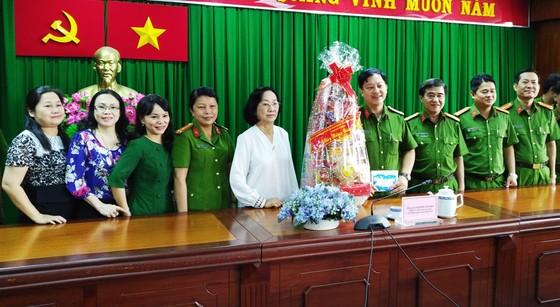 Lãnh đạo TPHCM thăm, tặng quà tết Cảnh sát PCCC, Cảnh sát Hình sự TPHCM ảnh 1