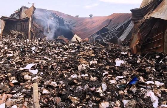 Công bố nguyên nhân vụ cháy hơn 40 tấn hồ sơ xe buýt ảnh 1