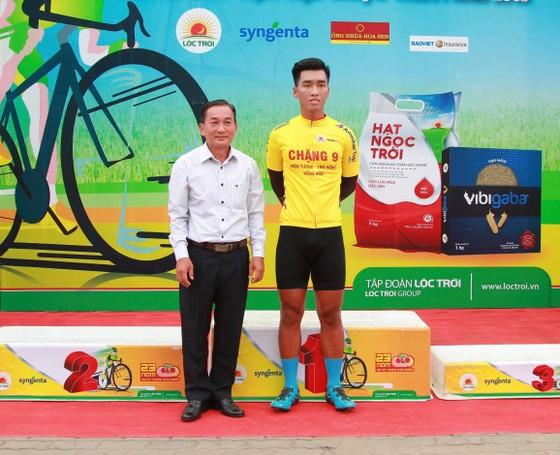 Nguyễn Nhật Nam xuất sắc mặc áo vàng chung cuộc.