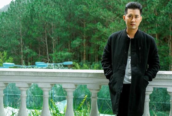 Diễn viên Khôi Trần có khuôn mặt giống sao Hàn