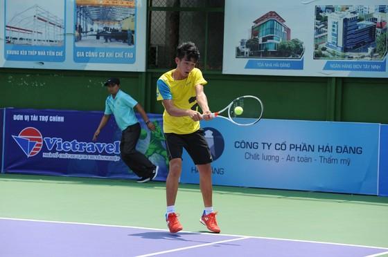 Giải quần vợt VTF Masters: Phạm Minh Tuấn trở lại bằng một chiến thắng ảnh 1