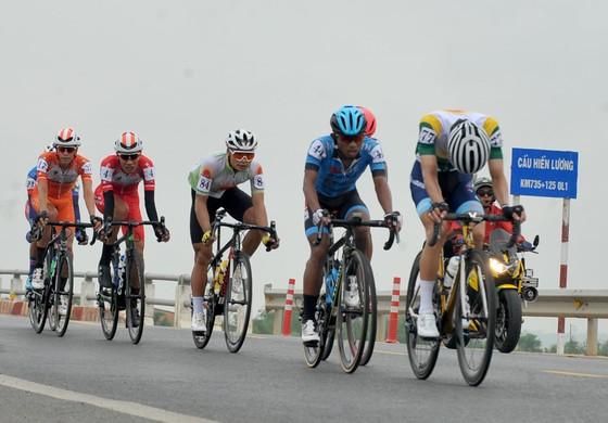 Giải xe đạp Cúp Truyền hình: Ngày đại thắng của các tay đua TPHCM ảnh 1