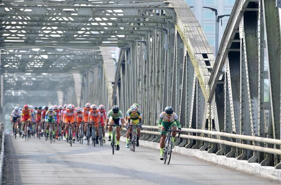Cúp xe đạp Truyền hình: Cú hattrick cho Lê Nguyệt Minh ảnh 1