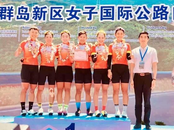 Tay đua Nguyễn Thị Thật thắng giải xe đạp đẳng cấp thế giới tại Trung Quốc ảnh 1
