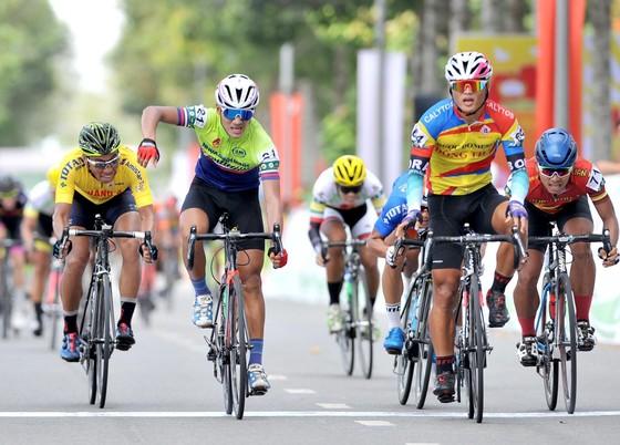 Giải xe đạp Về Nông Thôn: Chiến thắng kép cho tay đua Trần Tuấn Kiệt ảnh 2