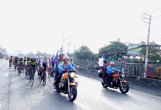 Cuộc đua xe đạp nữ Truyền hình An Giang: Các cô gái Hàn Quốc tỏ rõ tham vọng ảnh 1