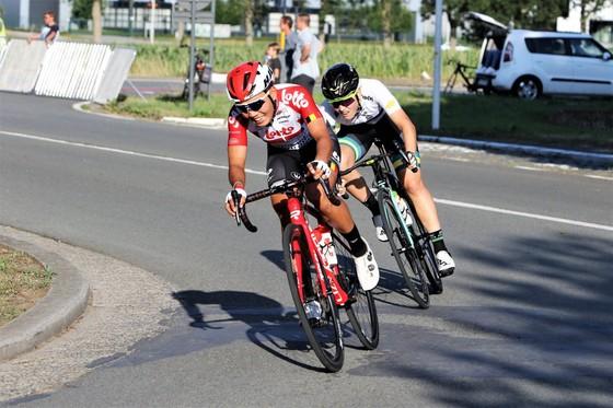 Tay đua Nguyễn Thị Thật bỏ cuộc giải xe đạp nữ Tour Scotland vì không có Visa ảnh 1